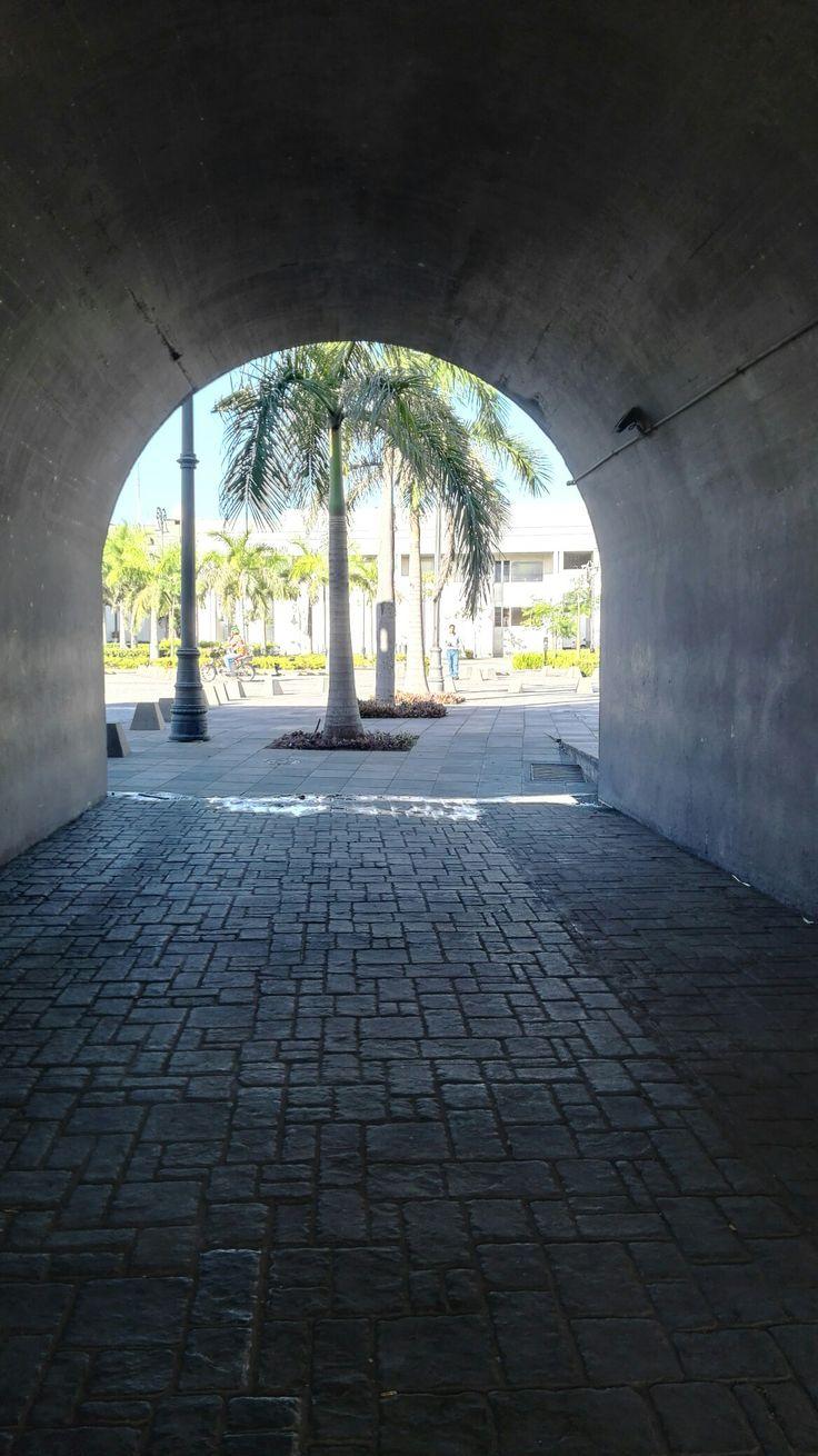 Túnel en la ciudad
