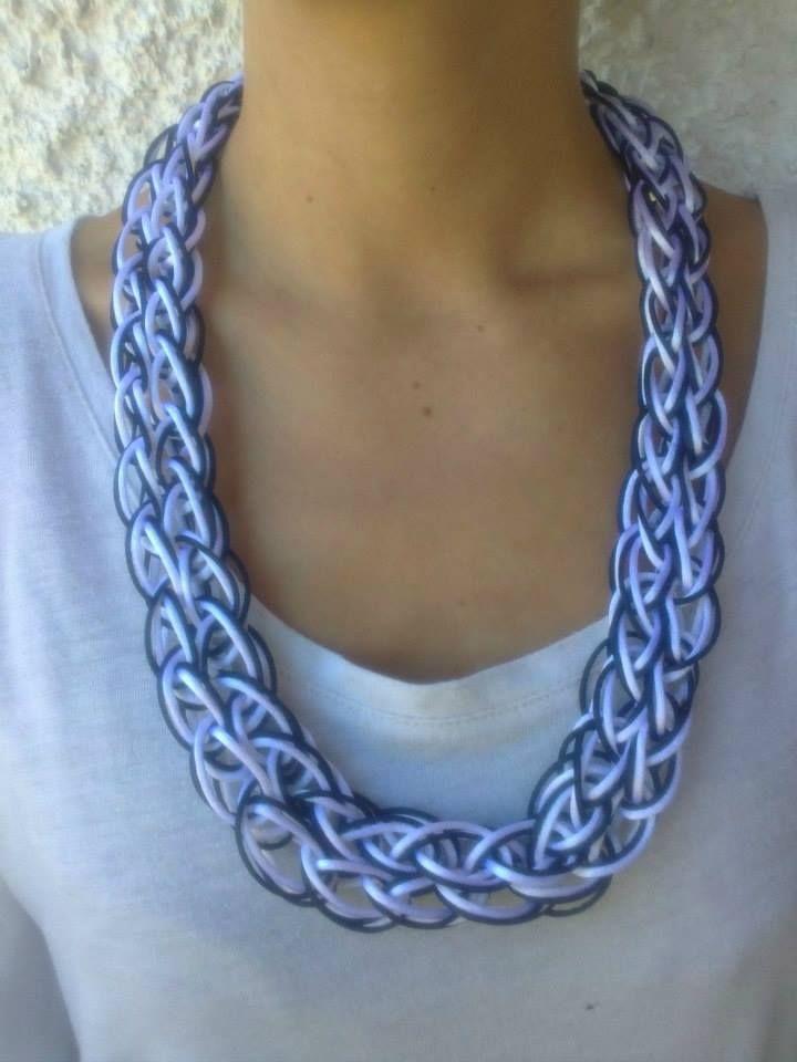 B&W fingerknitted necklace