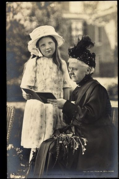 Dutch crown princess Juliana with her grandmother Queen-mother Emma, 1919.