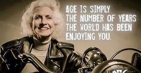 Wat is leeftijd ? De dame op de motorfiets zegt het..........;-)