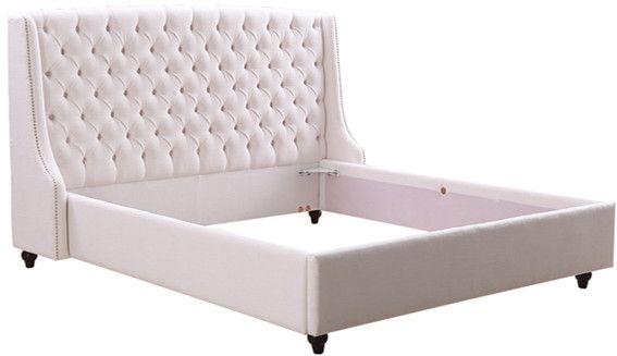 Кровать KLB31 Красивая и нежная кровать от производителя Kelly Lounge. Основание и изголовье кровати обиты текстилем свтело-розового цвета. Изголовье выполнено с применением стяжки капитоне