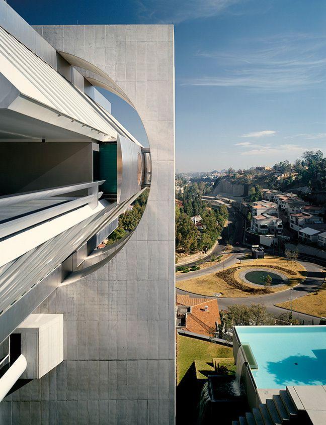 Residence in Mexico City by Agustin Hernandez Navarro, Mexico 1988. Image © Tim Street- Porter.