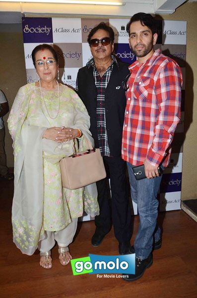 Poonam Sinha & Shatrughan Sinha, Luv Sinha at the Launch of 'Society' magazine in Mumbai