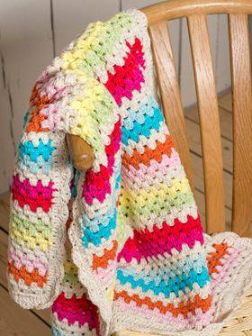 Hækleopskrift, hækling, hæklet tæppe til baby i muntre farver
