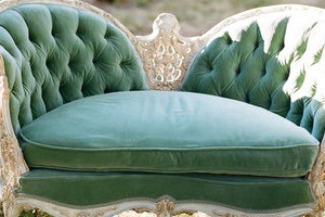 vintage settee, so crisp.  Practically perfect in every way :)  Looks like a chair Oscar Wilde would have in his house, where we would dish on all the relatives and creditors in our lives :)