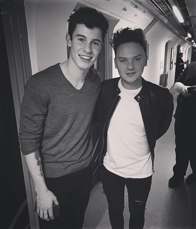 Shawn Mendes and Conor Maynard together omg