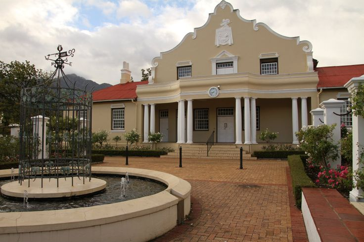 The origins of the Winelands in Cape Town. Franschhoek was the fiefdom of many French people during the 18th Century. People who came with their savoir-faire about wine-growing...