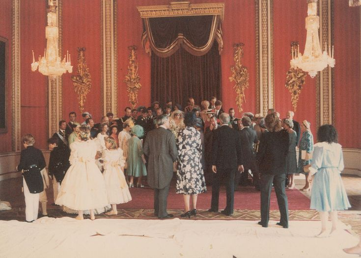 Members of the royal family gather for formal photographs.