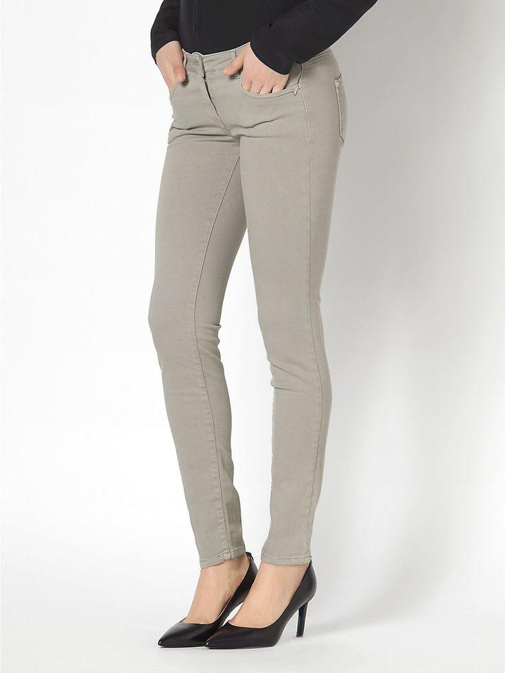 Jeans Skinny in tela cotone modal, tintura in capo, ICON Patrizia Pepe Titolo prodotto: Jeans Slinny in tela cotone modal Codice: BJ1186  A1RC Stilista: Patrizi