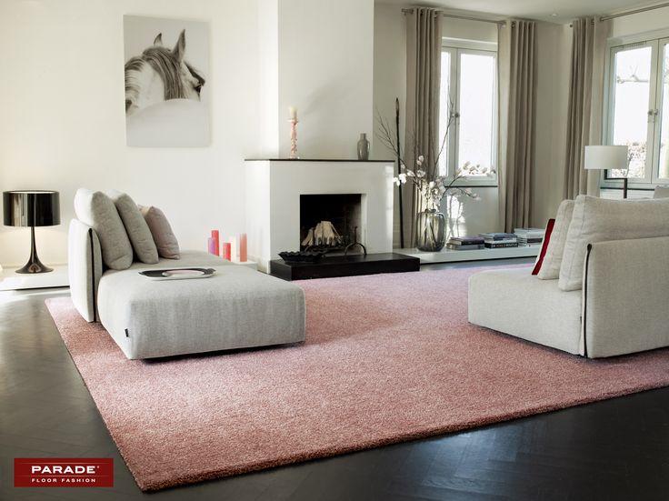 Verfraai je woonkamer met een pastelroze #tapijt!