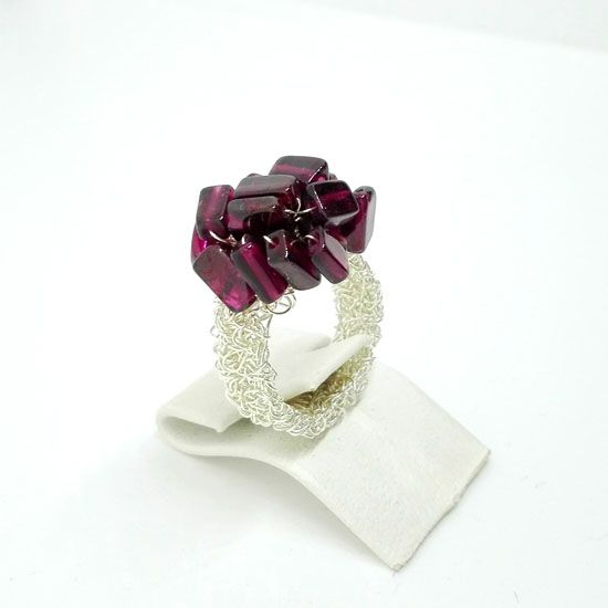 HANDMADE RING KNITTED S GARNET SILVER with Red Garnet Gemstone 6mm and Silverplated knitted Steel Wire | HANDMADE JEWELRY | Crystal Pepper