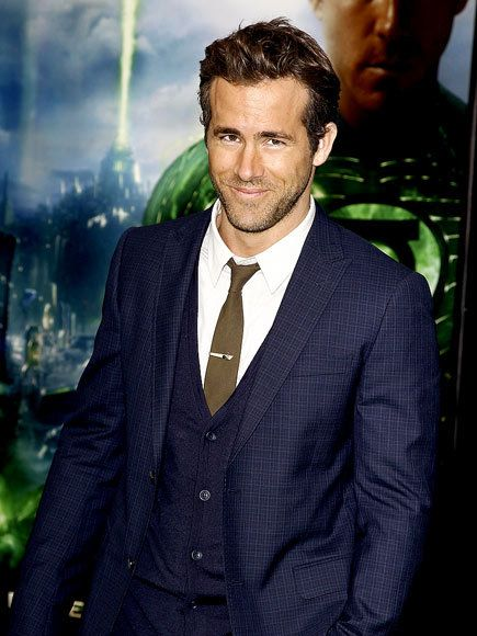 : Eye Candy, Green Lantern, Ryan Reynolds, Blue Suits, Hottie Mchotties, Fashion Business Suits, Guys In Suits, Dudes In Suits