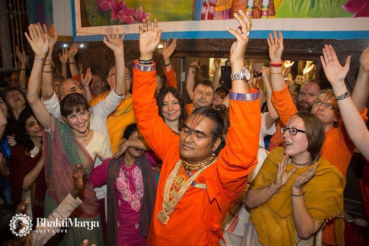 Shree Giridhar Dham Ashram Inauguration Vrindavan – Paramahamsa Vishwananda | by Bhakti Marga