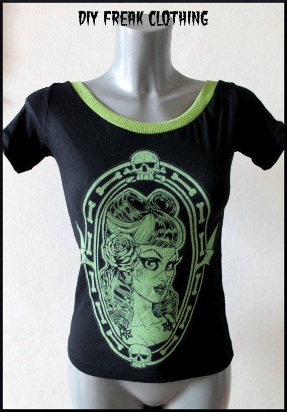 Top maglia nera cameo verde Shirt cameo di FreakClothingOutlet