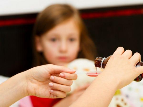 Come scegliere gli sciroppi per la tosse per i nostri bambini