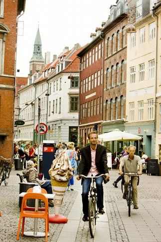 Copenhagen City Guide, Top 10 Things to do in Cophenhagen, Biking Copenhagen) - R_23.07.2014 - Denmark