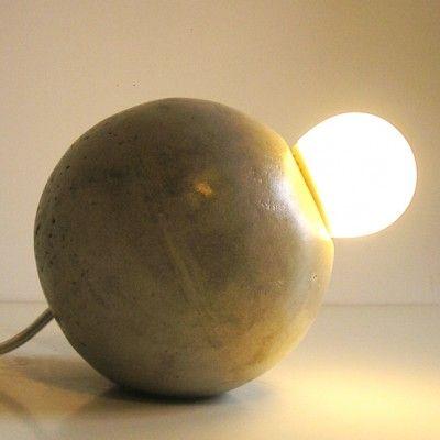 YaU Concept _ yau shop_monolit 2013_lampa de birou sferica din ciment gri