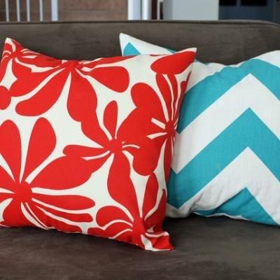 Seam Envelope Pillow Covers w/Tutorial: Pillows Cases, Pillows Covers, Covers Tutorials, Color Combos, Crafts Idea, Envelopes Pillows, Throw Pillows, Make Envelopes, Diy'S Pillows