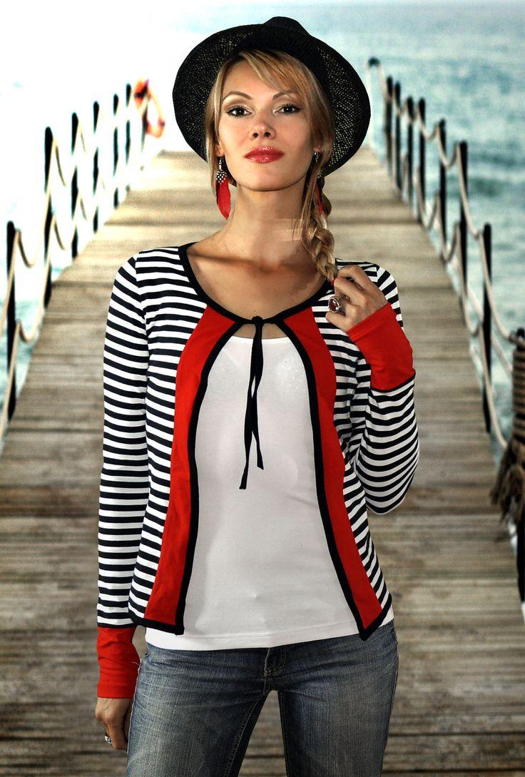 Palermo Oridži šitý prúžkovaný svetrík z dielne LucLac s námorníckým nádychom Materiál: Bavlna/Elastan Prať na 30ke Svetrík ma extra dlhé rukávy, tak v prípade záujmu o kratší rukáv poprosíme doplniť aj dĺžku rukávov :-)
