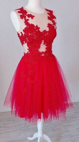 Emily- sukienka zdobiona koronką  - MatMari - Suknie wieczorowe