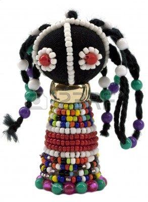 De traditionele Afrikaanse kunst beeldje met glazen kralen Stockfoto - 11829918
