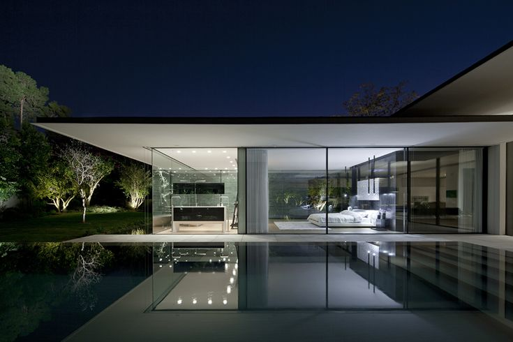 Tel Aviv House / Pitsou Kedem Architects