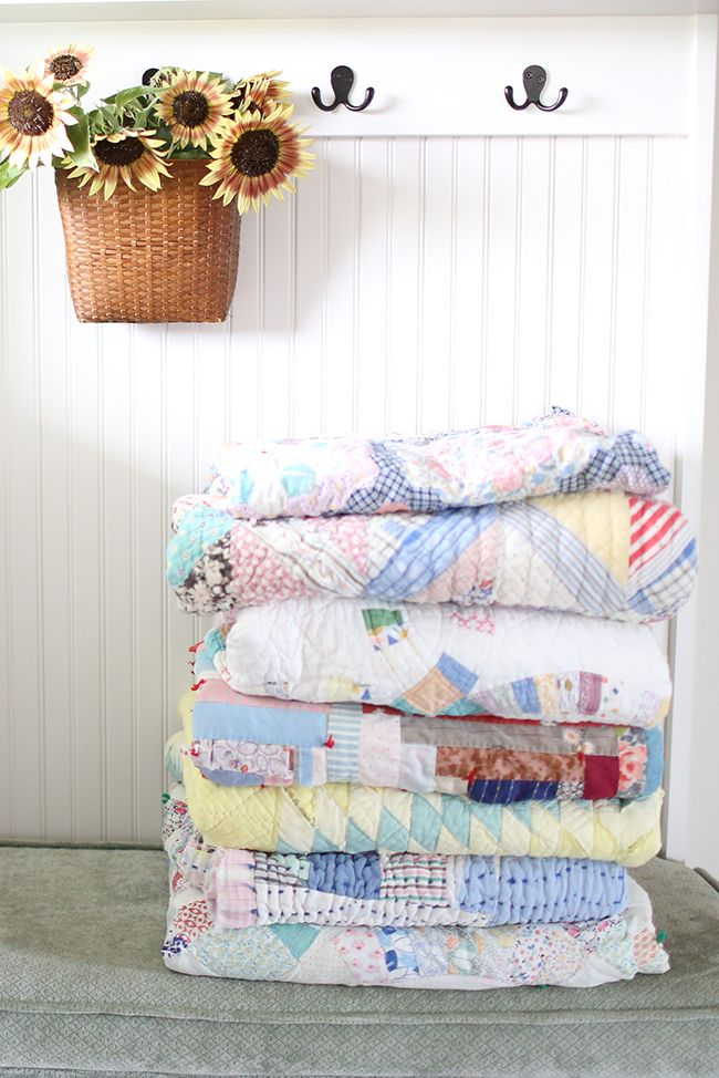 Quilt saver - Easy way to clean vintage quilts via Serena at The Farm Chicks