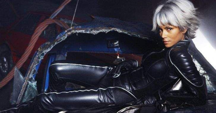 Enquanto falava ao UK E Online sobre seu novo filme, Jack, The Giant Slayer, Singer falou sobre sua animação em reencontrar velhos amigos nas filmagens de X-Men: Dias de um Futuro Esquecido, e também falou sobre a falta de um dos membros da trilogia original, Halle Berry: Como já sabemos, X-Men: Dias de um Futuro …