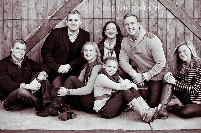 Family Picture Pose Ideas | family/group pose | Great IDEAS