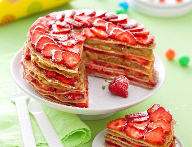 Gâteau de crêpes fraises-rhubarbeVoir la recette du gâteau de crêpes fraises-rhubarbe