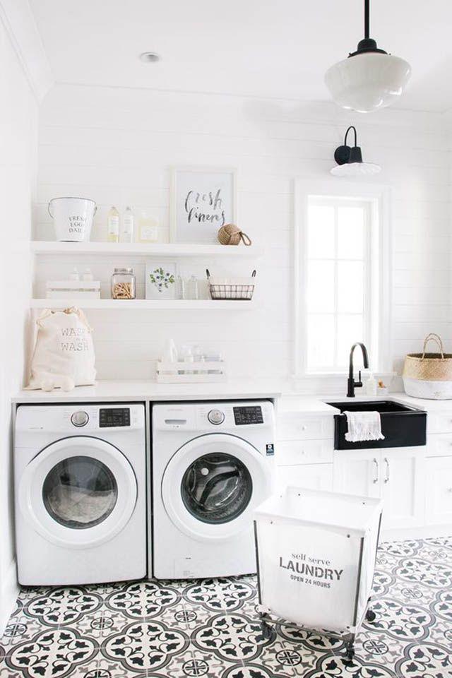Cuarto de lavado bonito.