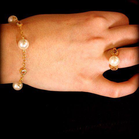 Bracelet & ring with pearls & quartz ❤️ www.stopandwearjewelry.com