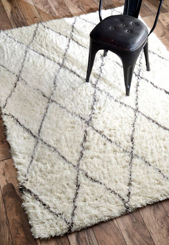 Moroccan Diamond Shag Rug by DECORmyHOME on Etsy