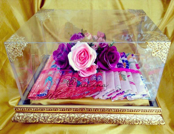 Batik fabrics. Golden tray. IG @medina_rumahseserahan