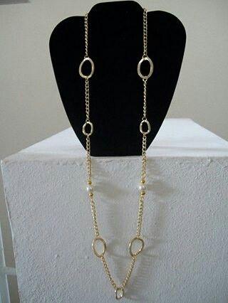 collar dorado sencillo