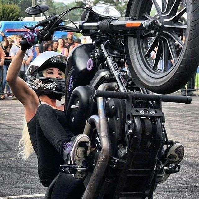 6898 Best Women And Bikes Images On Pinterest Motorcycles