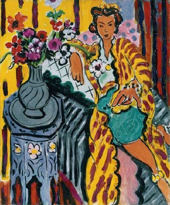 14. 마티스 - 노란옷의 오달리스크  오델리스크는 터키 궁정 밀실에서 왕의 욕구를 충족시키기 위해 대기하는 궁녀를 지칭한다고 한다. 마티스가 이 여인을 왜 오달리스크라는 화폭안에 담았을까 생각하게 된다. 그것은 이여인 자체로 그의 욕망이고 관능의 대상이 아니었을까. 그런 매혹적 궁녀들은 왕을 사로잡기위해 포근함이나, 안정감이아닌어디로 튈치 모르는 차가운 , 그러나 갖고싶은 매력을 발산하였을 것이다. 그러므로 내 생각엔 이 여인도 그러하였을 것 같다. 하지만 그녀의 옆에 있는 꽃의 의미를 생각해 보자면 저 꽃은 지금 만발하여 있고 최상의 아름다움의 상태이다. 하지만 그시기가 지나면 곧 시들어버리게 된다. 이런 의미에서 지금 그 여인은 차가운 미소를 짓고 있지만 결국은 (방의 따뜻한 색감이나 모피, 꽃이 암시하는 바와 같이) 사랑에 상처받을 것이라는 것을 알려주는 듯 하다.