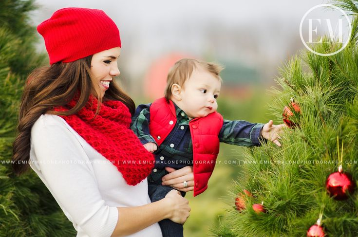 Emily Malone Photography | Dayton OH | Baby's first Christmas, Infant toddler photo ideas, Christmas tree farm, Holiday mini sessions