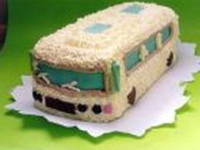Autobus krémový