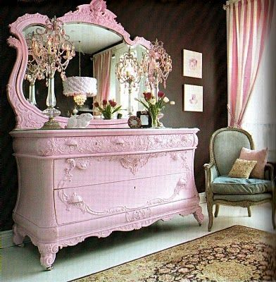 Pink Shabby Chic Dresser. am not completely in love with the color ._. i was thinking like tiffany blue? #shabbychicbedroomsteen