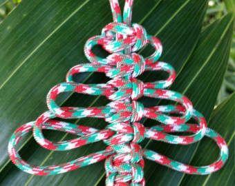 Articoli simili a Albero di Natale paracord - decorazione di Natale - a mano su Etsy