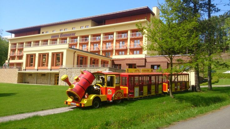Wellness hotel Energetic Rožnov pod Radhoštěm nabízí komfortní ubytování v Beskydech, relaxační a víkendové wellnes pobyty, restauraci s vyhlášenou kuchyní a kolibu Kordulku s valašskými specialitami.