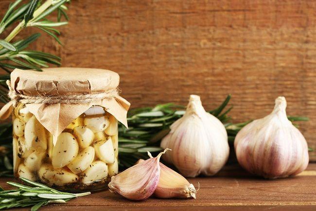 Zistite, ako jednoducho môžete cesnaku dodať novú chuť a zároveň obrovskú dávku prospešných baktérií.