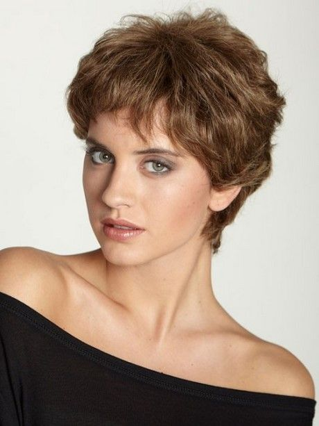 Pixie coupe de cheveux sans frange #hairstyles #hairstyle #shorthairstyles #coiffures longues # ...
