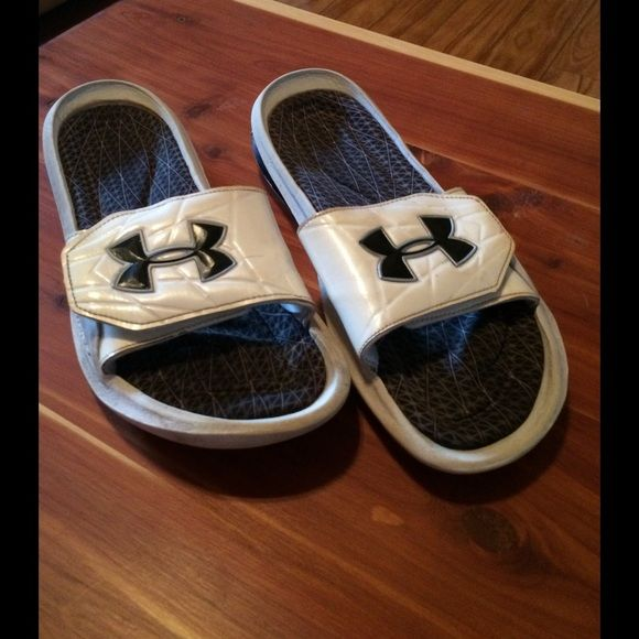 Under Armour Mens slides size 12 Under Armour Mens slides size 12. These run a little on the small side, my son usually wears a 10.5 or 11. The insoles are worn in. Under Armour Shoes