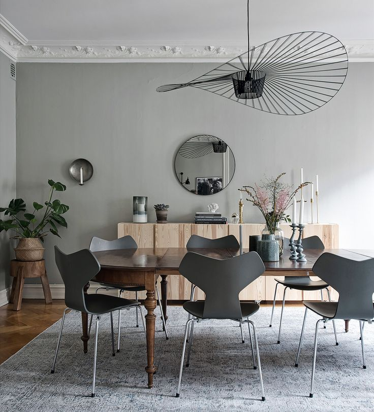 10 stunning and trendy chairs we all want do decorate with right now