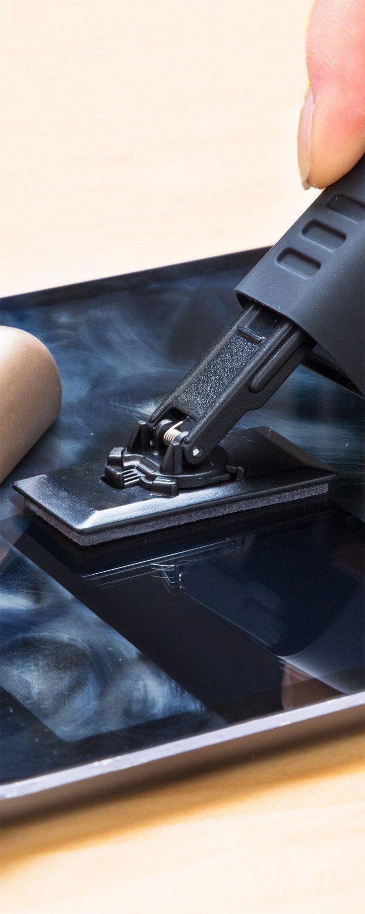 how to clean fingerprints off computer screen