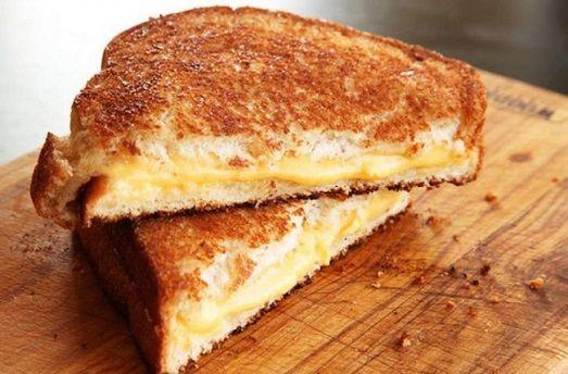 1. Жареный сэндвич с сыром 10 простых и вкусных блюд