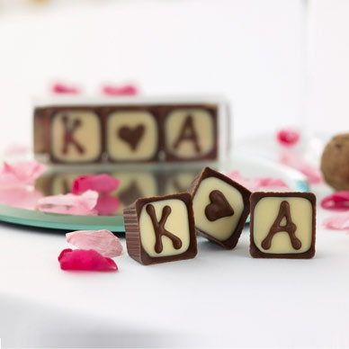 Personalised wedding favours are a lovely idea, these ones are also a yummy idea!