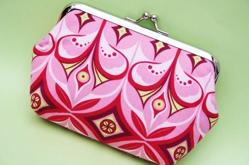 pink MM print  medium frame purse by onnaBandA on Etsy, €18.01